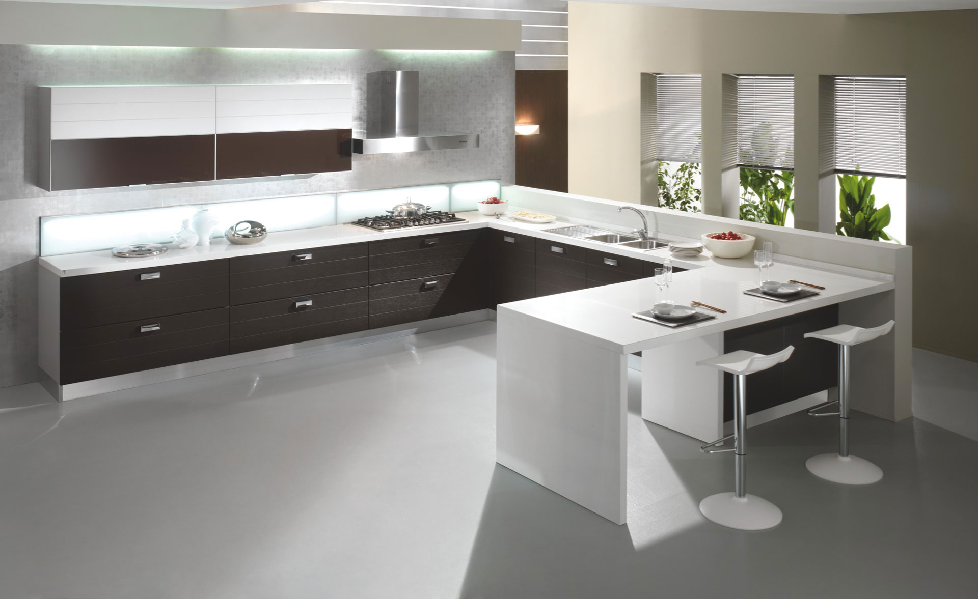 Awesome cucine moderne bianche e nere photos - Cucine nere lucide ...